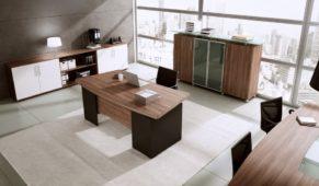 Biurko gabinetowe MARO KONSUL, witryny gabinetowe oraz stół konferencyjny MARO S-LINE
