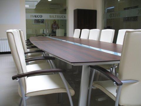 DB Meble realizacja 2013 Stół konferencyjny MDD i krzesła Profim