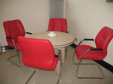DB Meble realizacja 2013 stolik gabinetowy i krzesła Formula