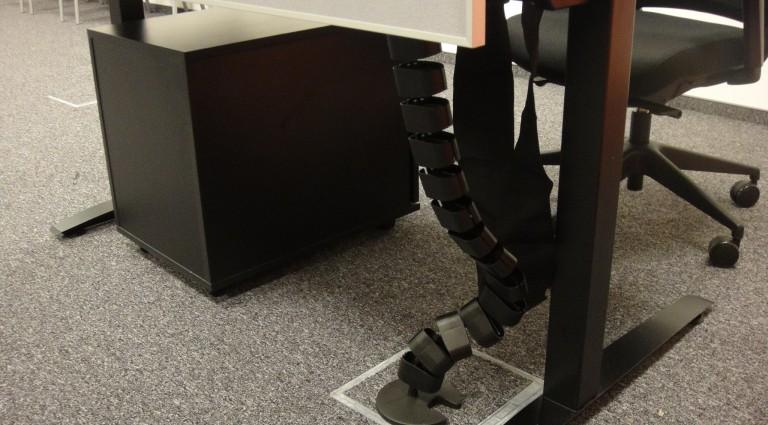 Stanowiska Call center DB Meble elestyczny kręgosłup kablowy